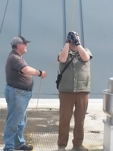 Ron (KC6FJO) and Jim (W7ETE) hauling up the VHF antenna.